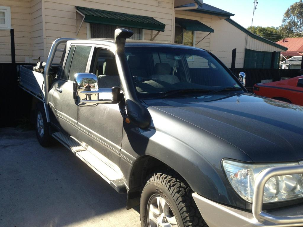 Fitting Snorkel and Heavy Duty Lift Kit 100 series Land Cruiser